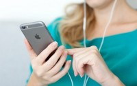 iphone-headphone_HUKC.jpg