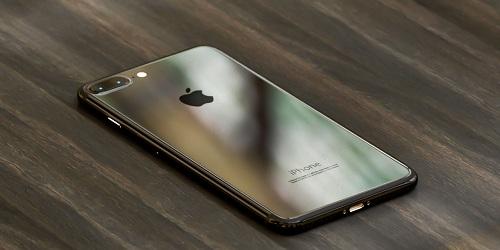 iPhone-7-Plus-imagined-in-Dark-Black-and-Piano-Black (1)