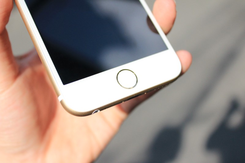iphone-6-6-plus-bi-den-man-hinh