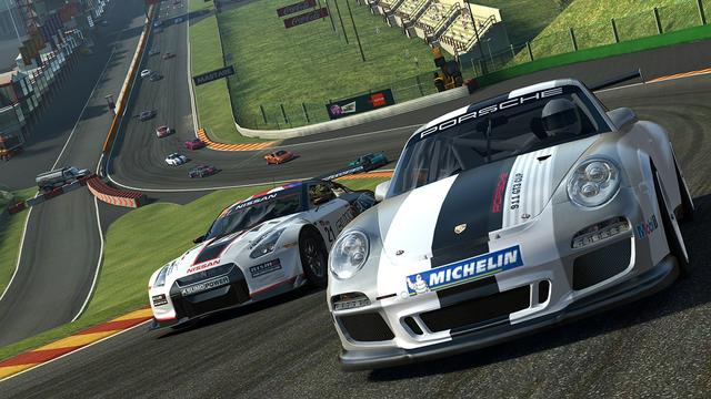 game-iphone-ipad-hay-nhat-real-racing-3