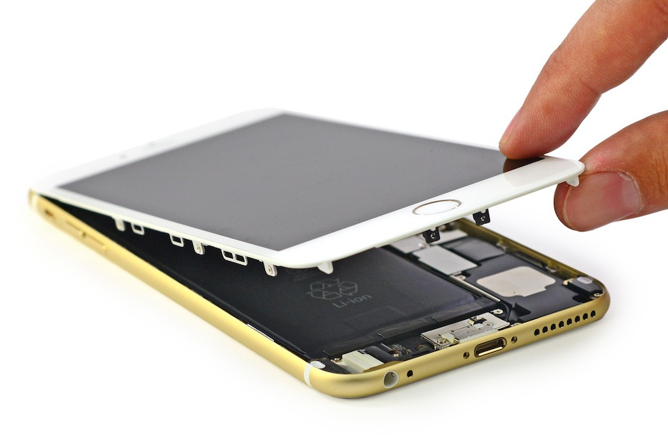 2594673_2593199_iPhone6Plus_Teardown_4