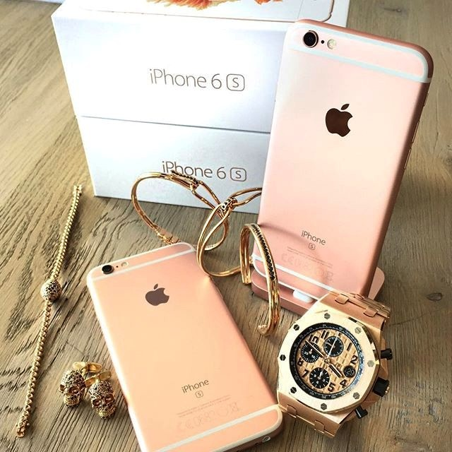 Rosegoldessentialswiththenewiphone6s