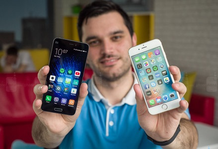 xiaomi-mi-5-vs-apple-iphone-6s-016_wgbs