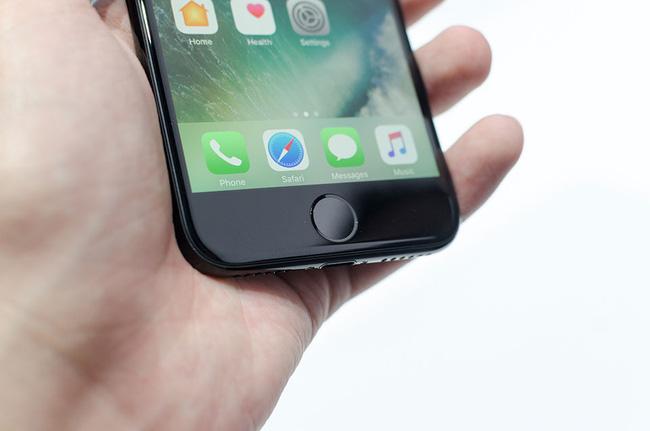 tren-tay-iphone-7-iphone-7-plus-fptshop-08-1473836459963
