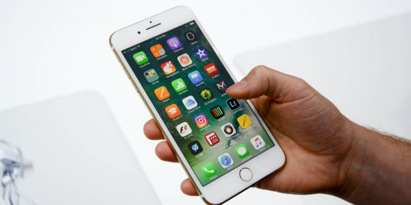 iphone-7-dung-modem-4g-intel-cham-hon-modem-cua-qualcomm-apple-da-co-cach-giai-quyet