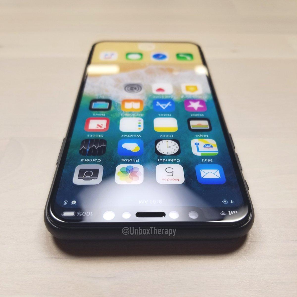 iPhone-8-cu-128-Gb-2