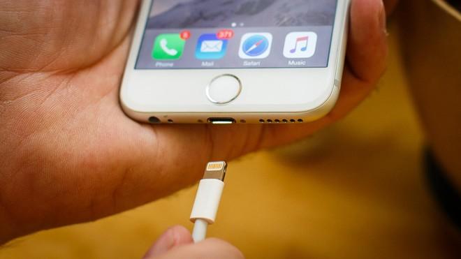 iphone 6 sạc không vào pin pahỉ làm sao