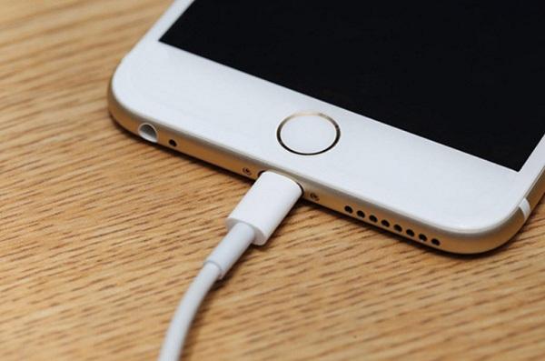 iphone 6 sạc không vào pin
