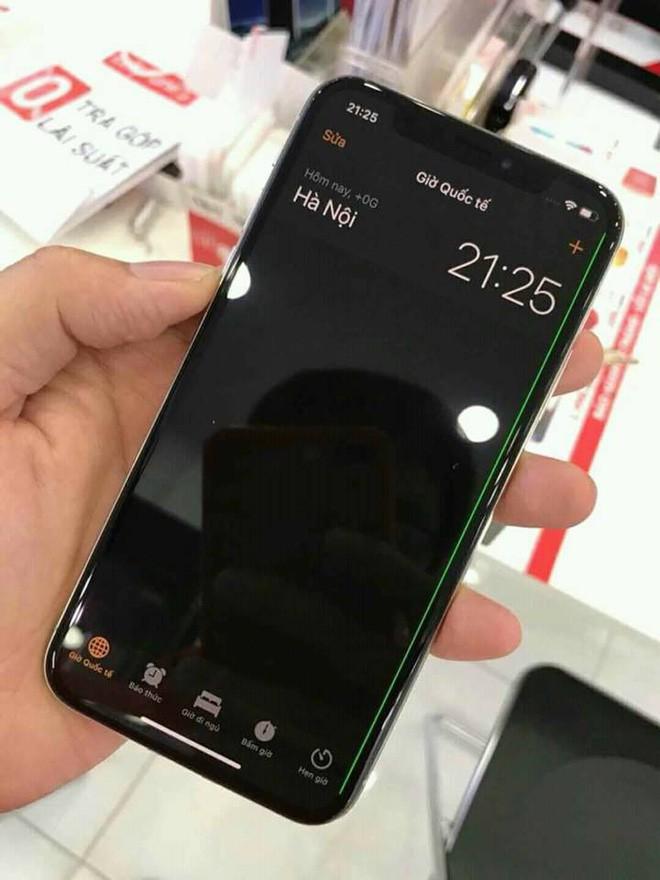 Iphone X Xuat Hien Loi Soc Man Hinh Cuc Bat Ngo 01