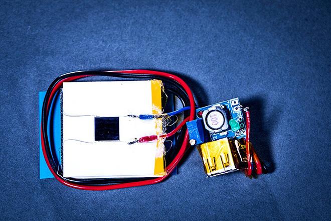 Sac Khong Day Tu Xa Bang Tia Laser Cuc Ky An Toan Cho Smartphone 03