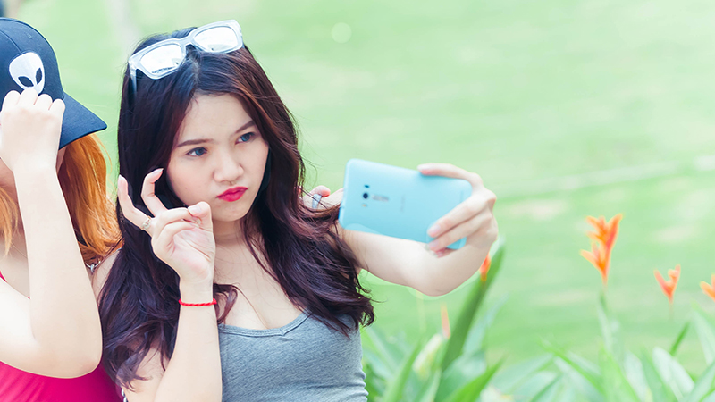 Bi Quyet Chup Anh Selfie Cho Buc Anh Than Thanh 02
