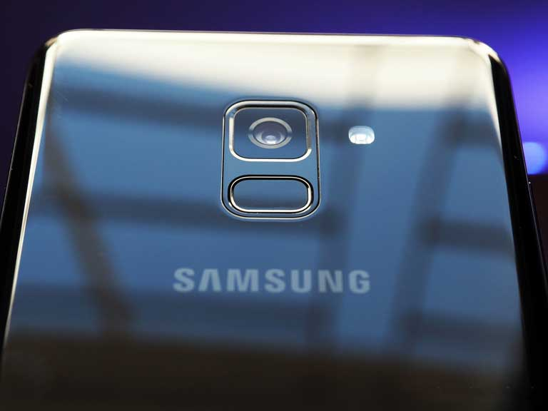 Samsung Galaxy A8 Moi Thu Ban Can Biet Ve Sieu Pham 2018 Nay Cua Samsung 03
