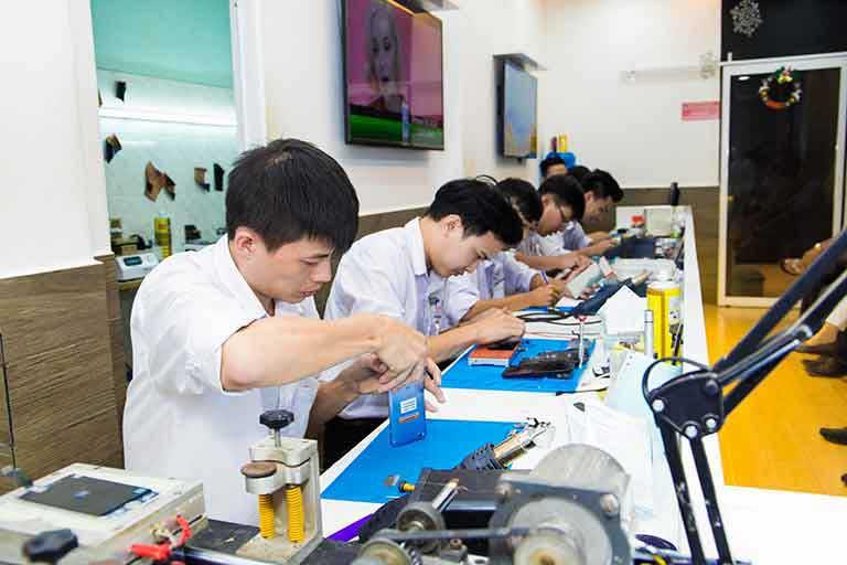 Thay Man Hinh Huawei Nova 3e Chinh Hang Zin 100 Uy Tin Tai Tp Hcm 03